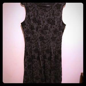 Enfocus dress 14w grey & black with flower detail